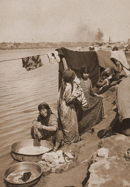 Hasso Brs Washerwomen on the banks of the Tigris, Baghdad